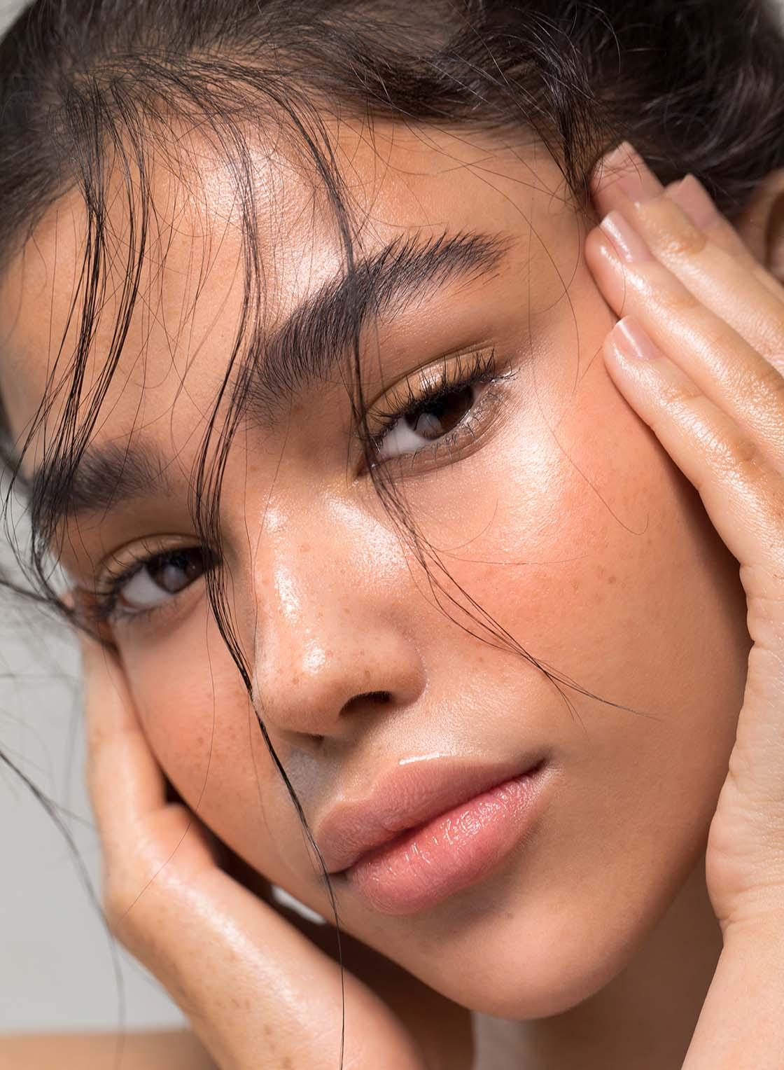 Augenbrauenserum Test EyeGlossary2